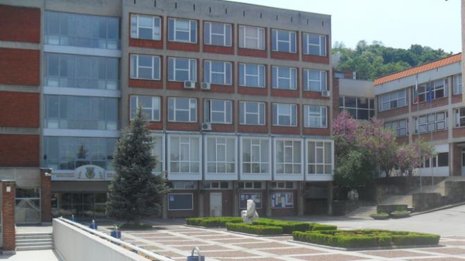 240 първокурсници вече са се записали във ВТУ