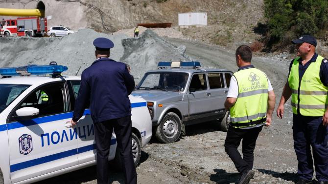 """Прокуратурата подхваща срутването в тунел """"Железница"""""""