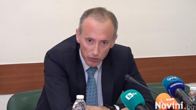 Красимир Вълчев обяви важни промени, свързани с матурите, НВО и учебните програми