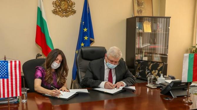 Министърът на здравеопазването Кирил Ананиев Кирил Ананиев е министър на