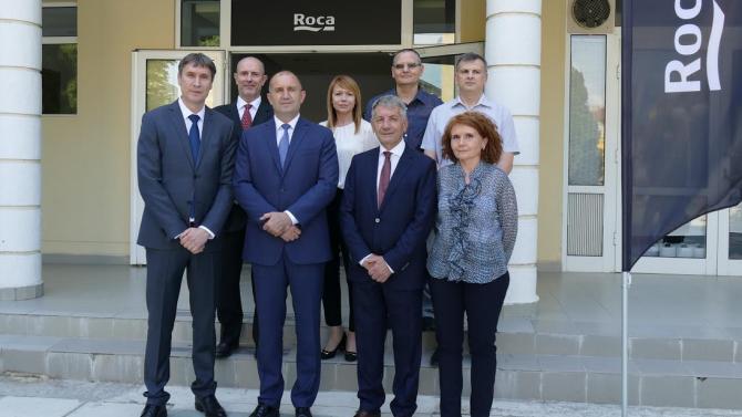 Президентът Румен Радев посети фабриката на Рока България в гр. Каспичан