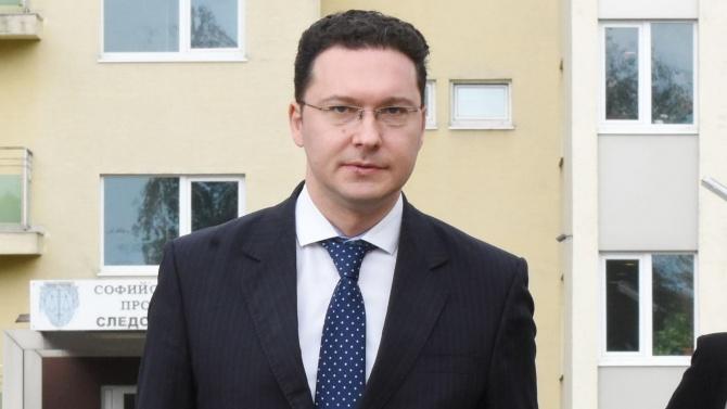 Даниел Митов разкри как се назначават българските посланици