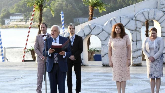 """Вицепрезидентът Илияна Йотова откри фестивала """"Музи на водата"""""""