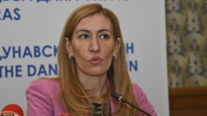 Николина Ангелкова: Туристите тази година са по-малко в сравнение с предишни години