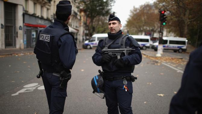 Край на полицейската операция във френската столица