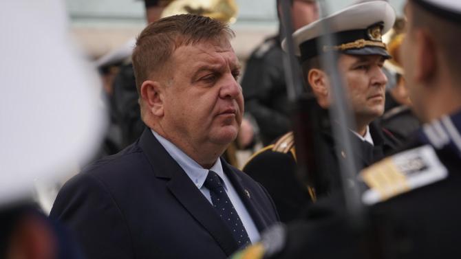 Министърът на отбраната Красимир Каракачанов Красимир Дончев Каракачанов е заместник