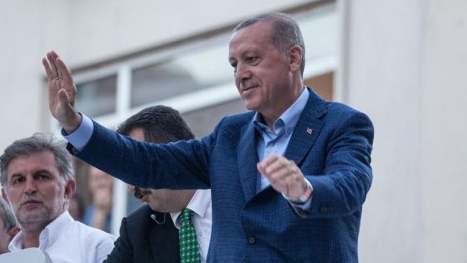 Турският ВС: Президентът има право да превърне Св. София в джамия