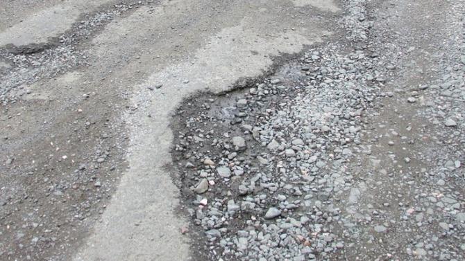 В Стрелча местни искат разрешение от кмета сами да си ремонтират улиците