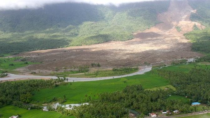 123 души загинаха при свлачище в мина за нефрит в Мианма
