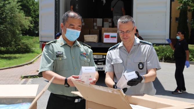 ВМА получи дарение от защитни медицински средства от Китай