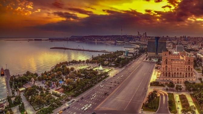 Азербайджан изпраща армията, за да помага на полицията в спазването на изолацията заради COVID-19
