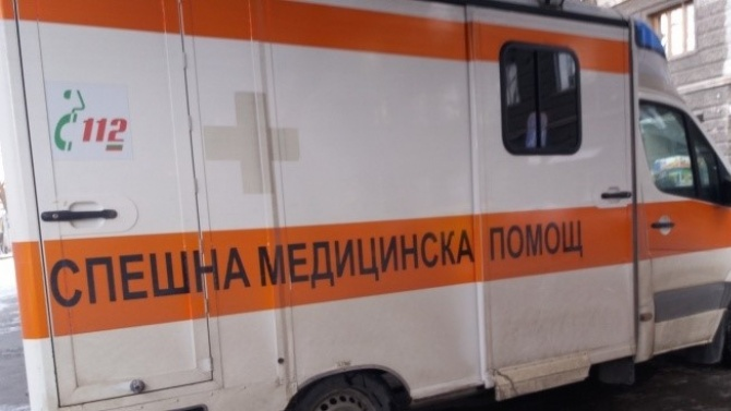 Мъж със счупена става чака 4 часа линейка в София