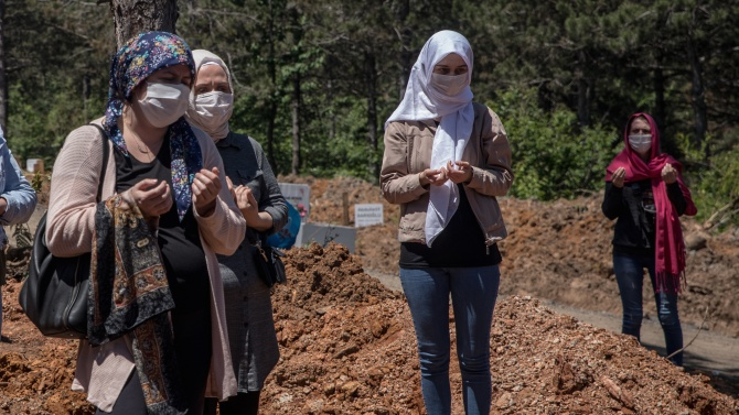 Броят на починалите от усложненията от новия коронавирус в Иран