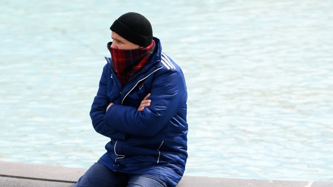Казахстан: До трима души навън