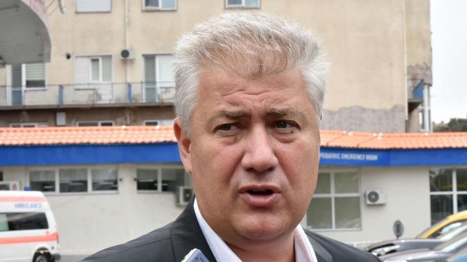 """Шефът на """"Пирогов"""": Има пик на заразени с COVID-19 млади хора"""