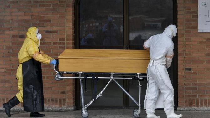 Расте броят на починалите в Италия