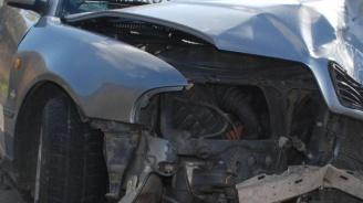Мъж загина след удар с автобус