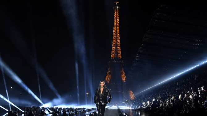 Седмицата на висшата мода започва в Париж без дефилета
