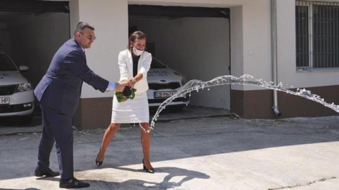Маринов откри реновираната сграда на районното управление на МВР в Троян