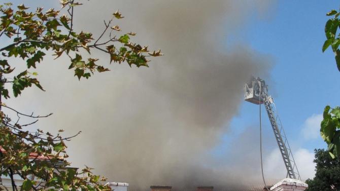 Банов за операта в Русе:  Пожарникарите са направили всичко необходимо, сградата има застраховка