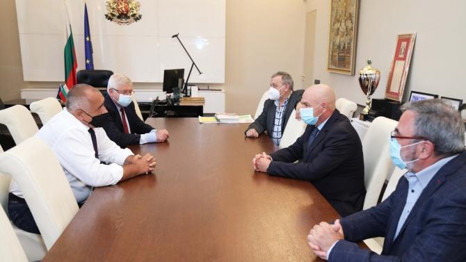Борисов събра Националния щаб в кабинета си. Вижте какво обсъдиха днес!