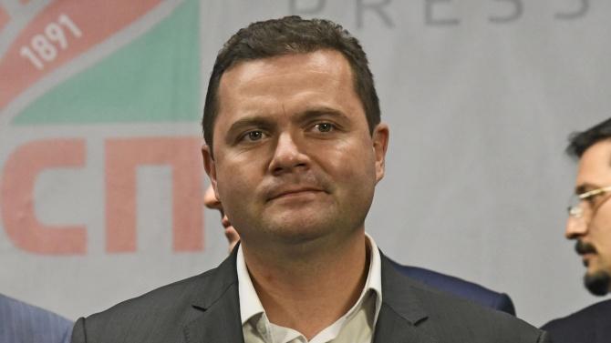 Разкриха какво е състоянието на заразения с коронавирус кмет на Русе Пенчо Милков