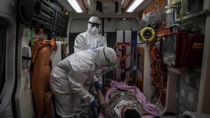 1053-ма са новозаразените с коронавириус в Турция, а 19 заболели
