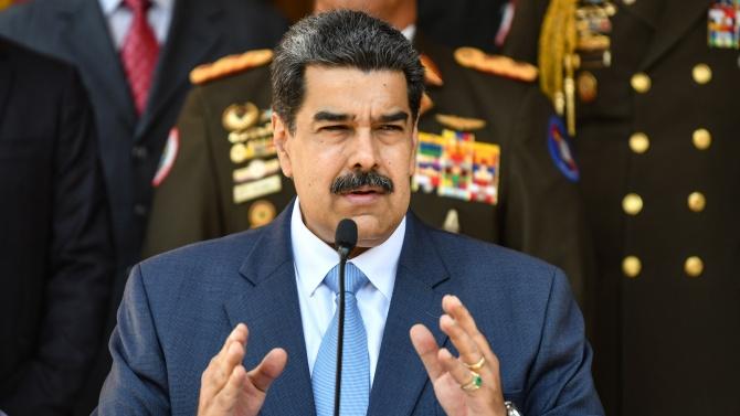 Венецуелският президент Николас Мадуро смени вчера командирите на сухопътните сили,