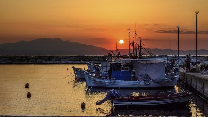 Туристи с коронавирус са установени на гръцкия остров Тасос
