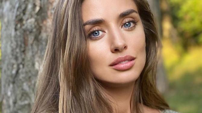Саня Борисова отново се носи на крилете на любовта