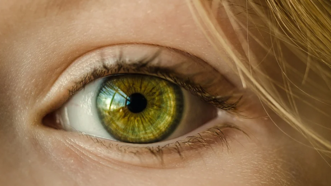 В 15 очни клиники в страната вече втори месец се