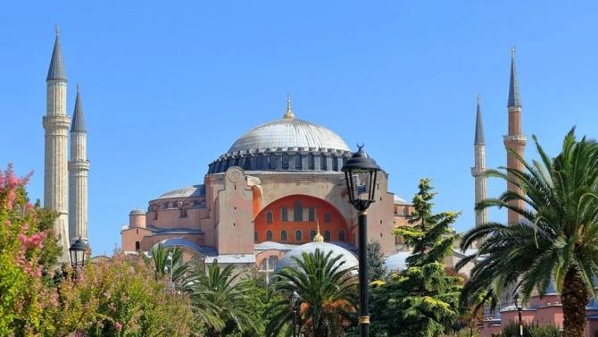 """Вече е решено: Църквата """"Света София"""" става джамия?"""