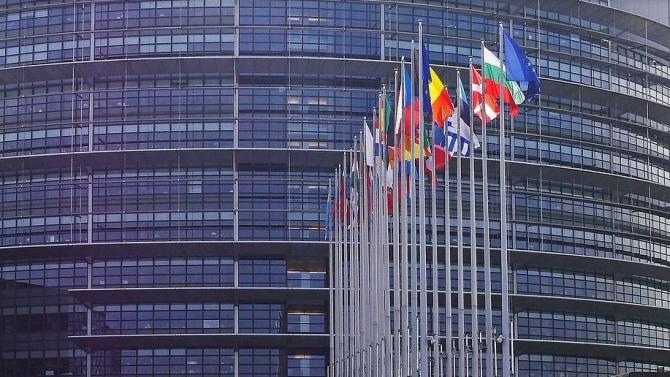 """Пакетът """"Мобилност"""" мина в ЕП. Българските забележки бяха игнорирани"""