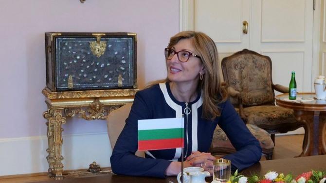 Захариева обсъди с Томаш Петричек почивката на чехите на родното Черноморие