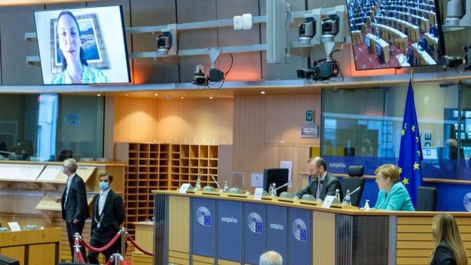 Ева Майдел към Ангела Меркел: ЕС трябва да вземе мерки за регулиране на трансфера на медицински специалисти