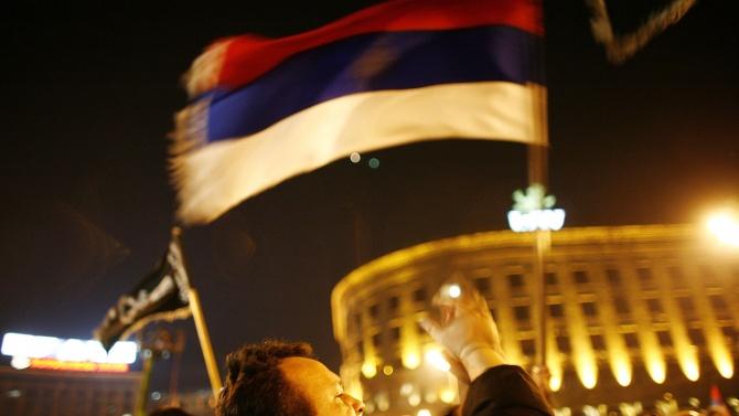 Сърбия се отказа от полицейския час заради COVID-19 след погромите