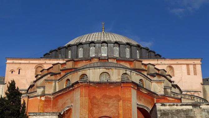 """Запазване на неутралния статут на храма """"Света София"""" в Истанбул"""