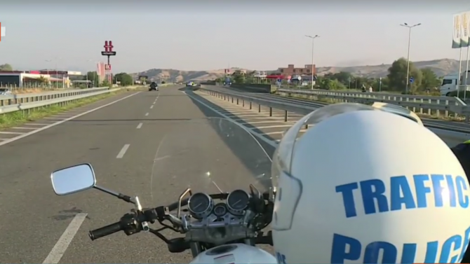 """Няма опашки на ГКПП """"Кулата"""", Гърция бързо тества туристите и ги пуска"""