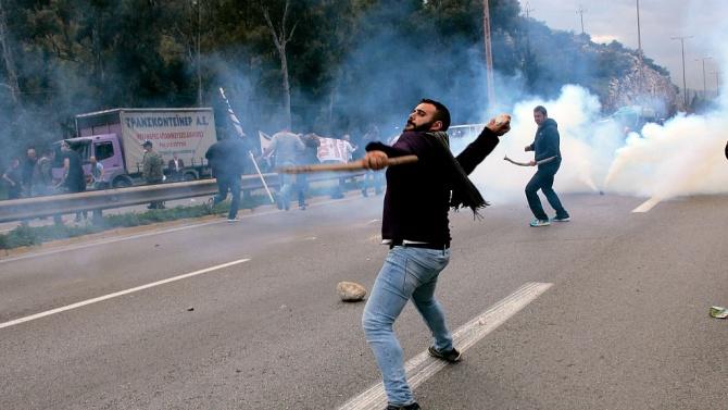 До сблъсъци между протестиращи и полиция се е стигнало снощи