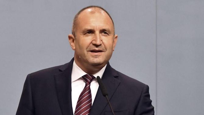 Президентът Румен Радев Румен Георгиев Радев е български военен, генерал-майор