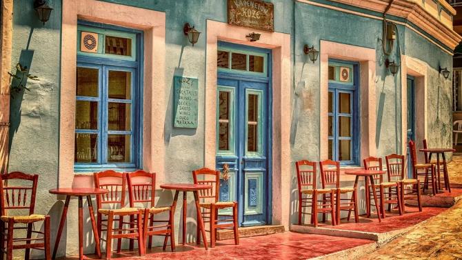 40 от 60 случая на COVID-19 в Гърция са туристи