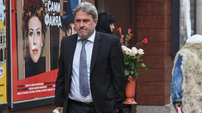 Още един действащ министър стана клиент на Иван Гешев напълно
