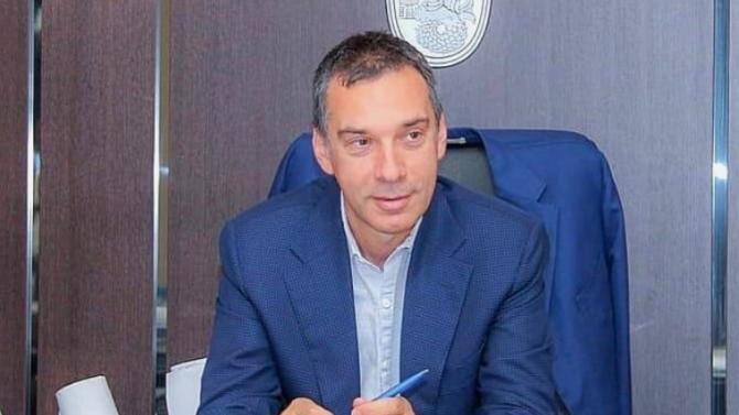 "Кметът на Бургас: Грешка е да не се допускат протестиращите до ""Росенец"""