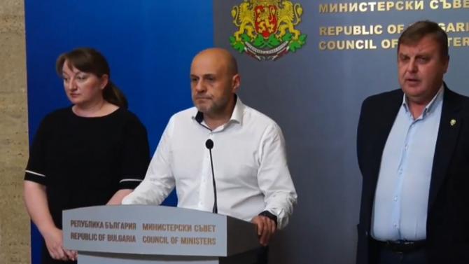 НА ЖИВО: Томислав Дончев: Правителството няма да поиска оставката на президента