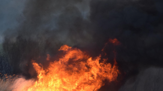 Пожар в предприятие за преработка на пластмаси в Средец