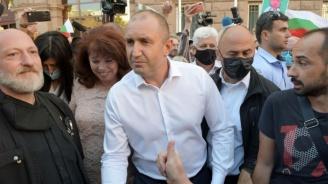 Из фейсбук: През 2013 г. беше различно. Тези, които искат властта сега, не мислят за България