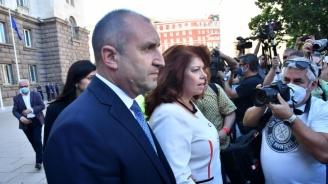 Конституционен съдия: Недопустимо е президентът да иска оставката на главния прокурор