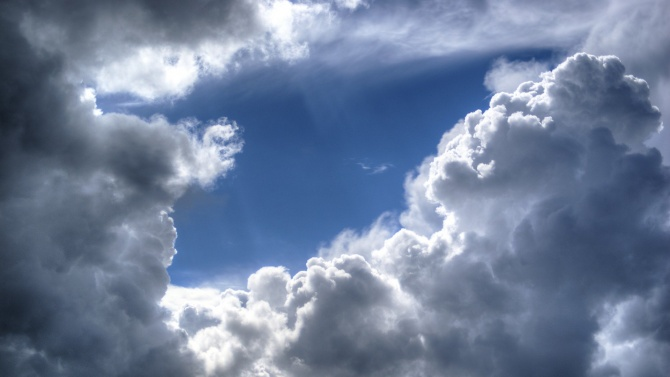 Облачността ще е променлива. До обяд на места в Централна