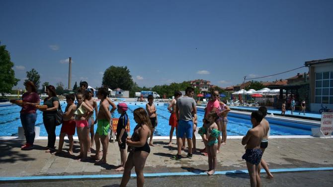 Градския плувен комплекс в Асеновград – изряден, установи проверка