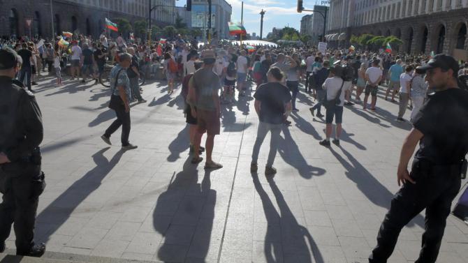 Синдикати и работодатели с призив за стабилност и спиране на напрежението